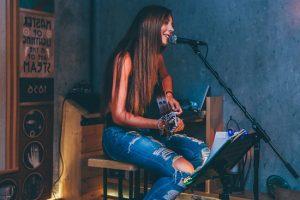 อยากเป็นนักร้องต้องฝึกอย่างไรบ้างเพื่อจะให้เสียงดี